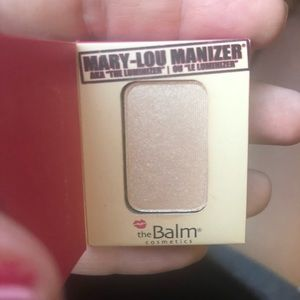 *NEW* TheBalm Mini Mary-Lou Manizer highlighter
